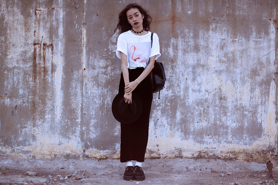 Vu Thien - Dunchesse Paris Tee, Thrift Store Velvet Long Skirt - FLAMINGO
