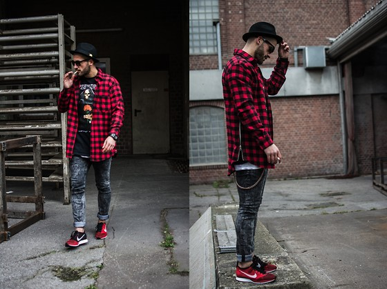 Kosta Williams - H&M Hat, Smugglers Inc Flannel With Sidezip, Yeezus Tour Merch., H&M Jeans, Nike Flyknit Racer - Born to die
