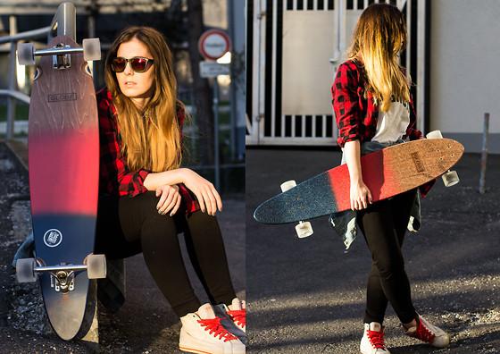 Lisa B. - Globe Longboard, Vans Sneakers - CRUISING   LOOKBOOK