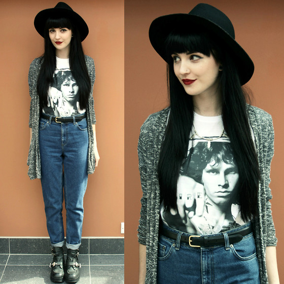 Kayleigh B - Librastyle Jim Tshirt, Topshop Mom Jeans - Riders On The Storm