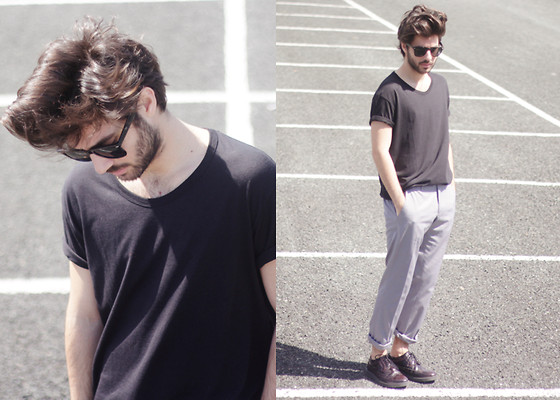 JJ Reyes - Zara T Shirt, Zara Trousers, Springfield Shoes, Zerouv Sunglasses - SOBER