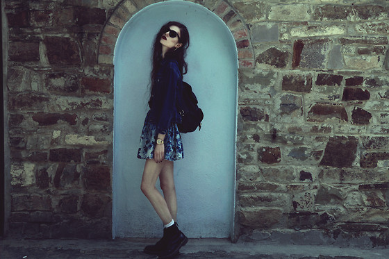 Violet Ell - Thrift Store Denim Jacket, Thrift Store Leather Backpack, Topshop Skirt, Dr. Martens Boots, Ray Ban Sunglasses - 23.09.2013