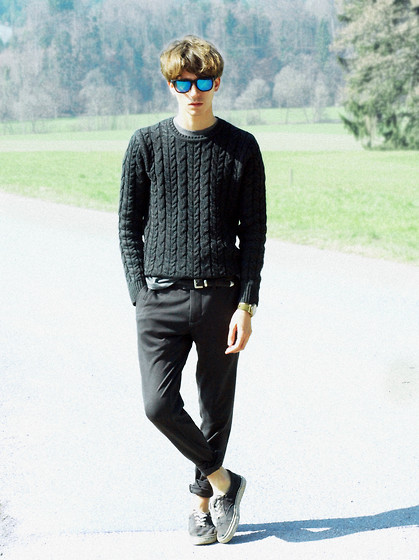 Christoph Amann - C&A Glasses, Pull & Bear Pulover, Fossil Belt, Fossil Watch, Zara Pants, Vans Shoes - I'll move the mountains for you .