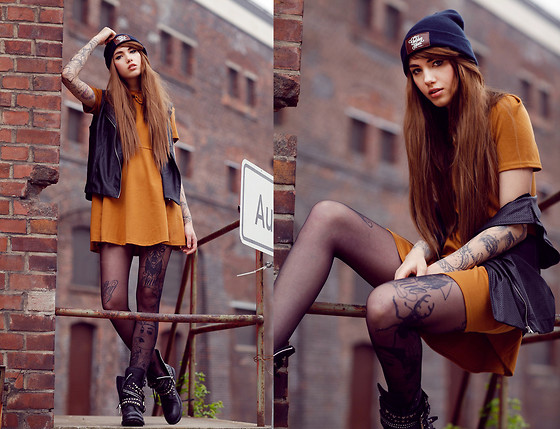 Jane Dean - Chicwhish Dress, Thegoldenheart Beanie, Lushonline Vest, Wig, Ash Boots - My Chemical Romance - Mama