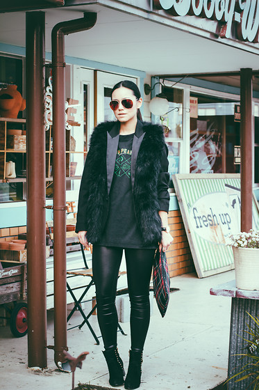 Ellen Kaminagakura - Zerouv Sunglasses, Sheinside Faux Fur Vest, Sismade Plaid Clutch, Persun Leggings, Persun Boots, Daniel Wellington Watch - Twin Peaks