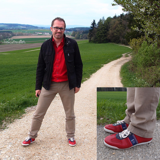 Nikolaus H - Esprit Jacket, Esprit Chinos, Pantofola D' Oro Red Sneakers - Walking through spring in new red sneakers