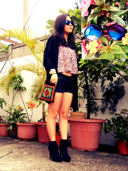 Christy Chiu - Forever 21 Mirror Shade, Cotton On Floral Crop Top, H&M Ankle Boots, H&M Cardigan - Summer Green