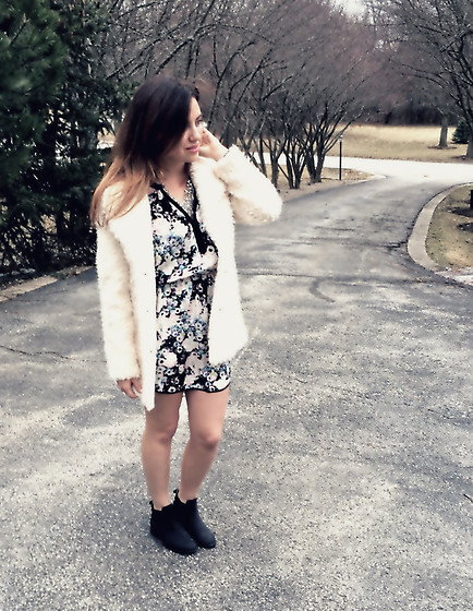 Chloe Parr - Parker Floral Dress, Steve Madden Boots, Topshop Fur Coat, Aqua Statement Necklace - Spring Lightening