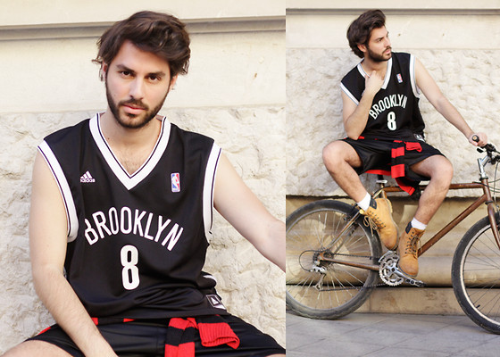 JJ Reyes - Adidas Brooklyn Nets Nba T Shirt, H&M Sweater, Adidas Shorts, Panama Jack Boots - FROM BROOKLYN TO ARENAL SOUND