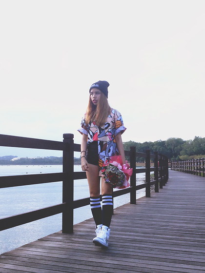 Leah S - Lazy Oaf Looney Tunes Shirt, Nike Air Max - Everything about you gets me high