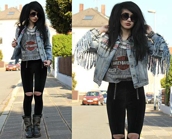 Tessa Diamondly - Boohoo Fringed Denim Jacket, Vintage Harley Davidson Tee, Romwe Cut Out Leggings, Ash Boots - Hearts on fire tonight.