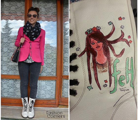 Federica Delprino - Marc By Jacobs Photochromatic Glasses, H&M Blazer, Oasap Bag, H&M Blouse, Tally Weijl Scarf - DIY boots.