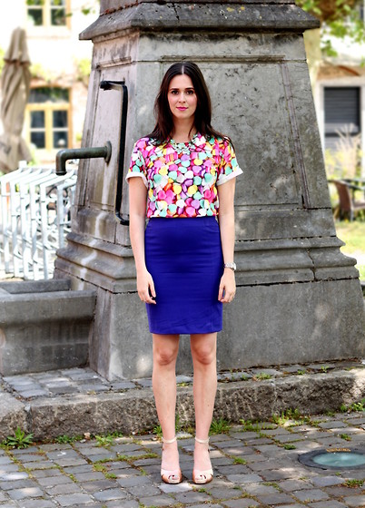 Annebeth B - Oasap Candy Heart Print Top, H&M Pencil Skirt - Candy Hearts