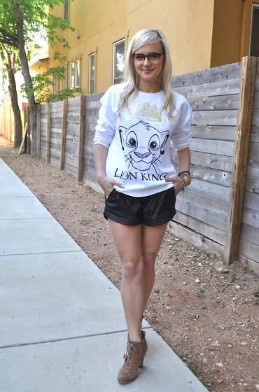 Lauren Vandiver - Derek Cardigan Glasses, Forever 21 Sweater, Max & Mia Shorts, Sofft Booties - Can't Wait to be King