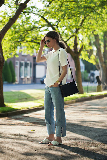 Christine R. - Ray Ban Sunglasses, Céline Bag, Mih Jeans The Phoebe Jean - MiH The Phoebe Jean