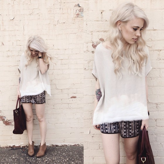 Mary Ellen Skye - Hackwith Design Top, Forever 21 Shorts, Forever 21 Boots, Madewell Bag - Crema
