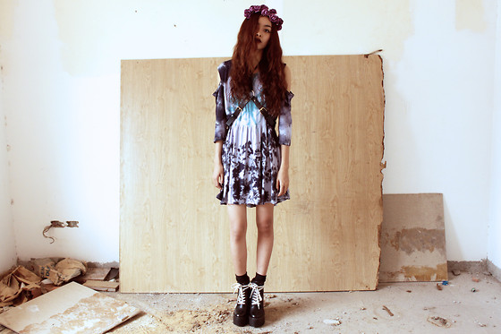 Vu Thien - Blackfive Dress, Choies Harness, The Dead Bird Roses Headband, Missguided Boots - STOLEN ROSES
