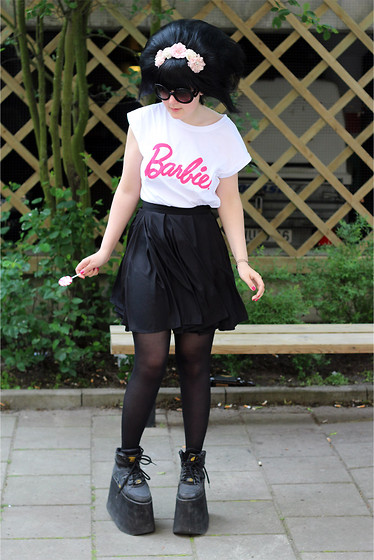 Panda . - Prada Sunglasses, Barbie Top, American Apparel Skirt, Buffalo Shoes - 14-06-13