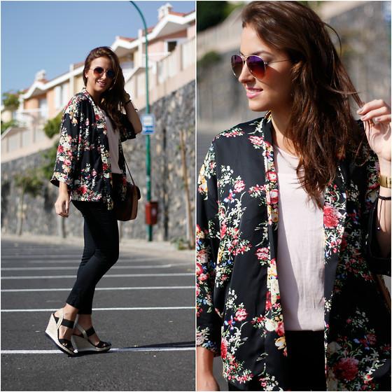salida en línea comprar barato precio razonable Carolina González Toledo - Persun Kimono, Stradivarius Blouse ...