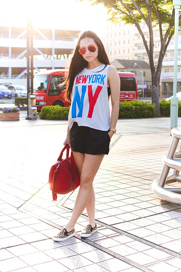 Ellen Kaminagakura - Zerouv Sunglasses, Asos Slip On, Casio Watch, Alexander Wang Bag - Place with no Name