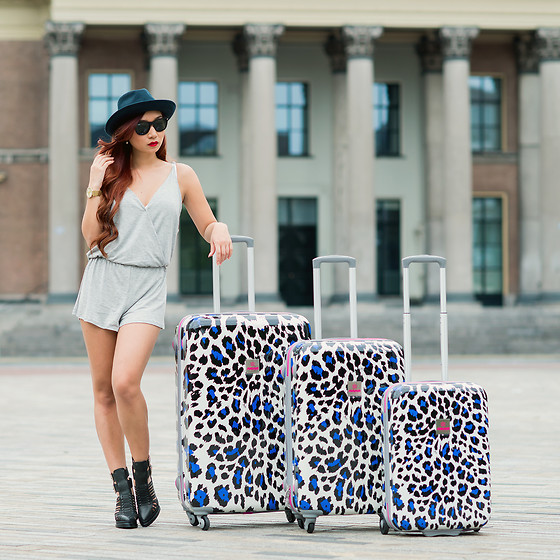 Minh Nguyen - Suitsuit Luggage Set, Nasty Gal Playsuit, Jeffrey Campbell Boots - Win a SUITSUIT luggage set (value €437,-) on my blog!