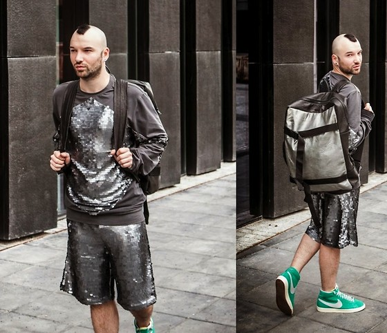 RASCAL-ROOM.blogspot.com Instagram.com/SebastianKobielski - Kas Kryst Backpack, Kas Kryst Long Sleeved T Shirts, Kas Kryst Shorts, Nike Sneakers - Summer walk / @RascalRoomBlog