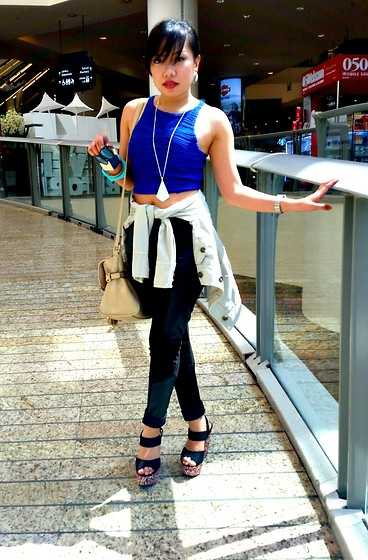 Krissy Pronto - New Look Crop Top, Promod Coat, River Island Bag, New Look Wedge - Mall exploring