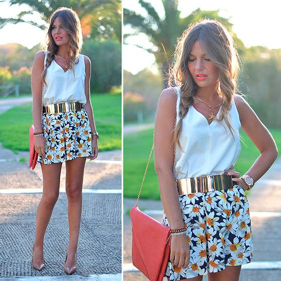 Helena Cueva - Stradivarius Top, Choies Skirts, Sheinside Belt, Pull & Bear Clutch, Zara Heels, Apodemia Necklace - Daisy Print Skate