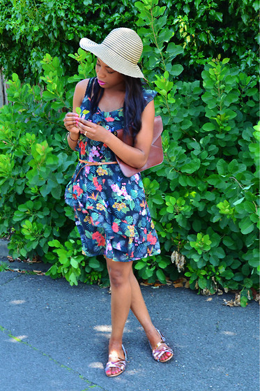 Laura C -  - Little Floral Dress // StylishVue