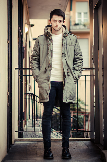 Fabio Zaccà - Bershka Parka, Zara Sweater, Pull & Bear Jeans, Dr. Martens - All good things come to an end