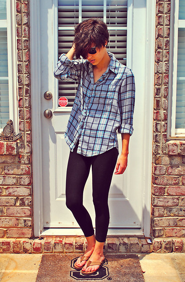 Huntress W. - Ray Ban Wayfarers, Thrifted Plaid Shirt, Leggings, Rainbows Sandals - It's Nice To Know You Work Alone