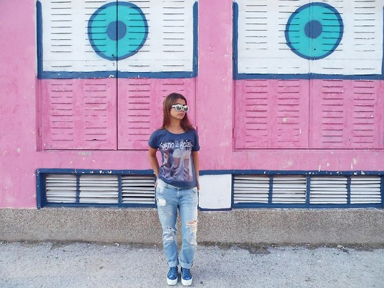 Ivana Sekuloska - Zara Sunglasses, Littlebig T Shirt, Zara Boyfriend Jeans, Pull & Bear Plimsolls - Borrowed,new and blue.