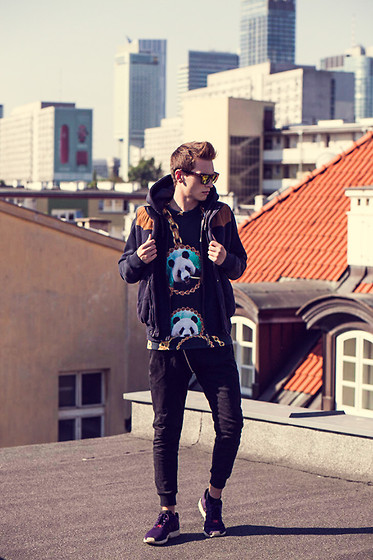 Romek Gelard Gello - Breaking Rocks Sweater, Adidas Zx Flux - Panda Chain