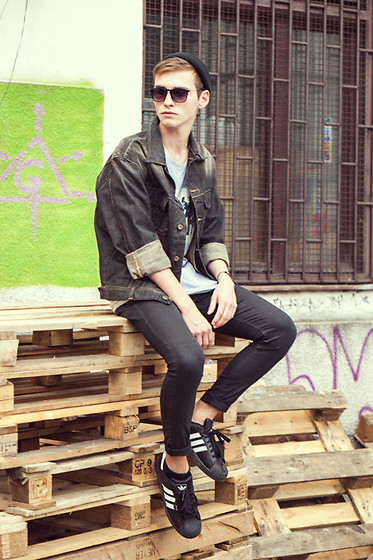 Romek Gelard Gello - Sky Is The Limit Store T Shirt, Adidas Superstar Ii, Lee Denim Jacket, Tevin Vincent Sunglasses - Sky is the Limit