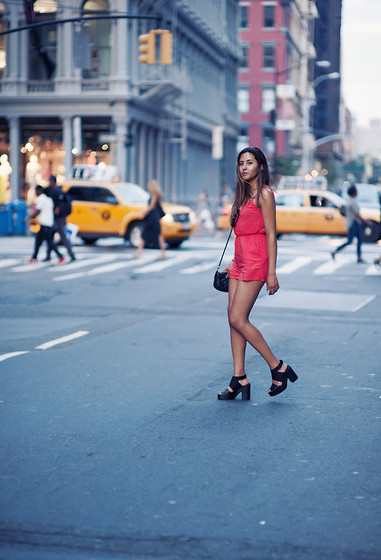 Raquel Paiva - H&M Jumpsuit - Afternoon in SoHo, New York