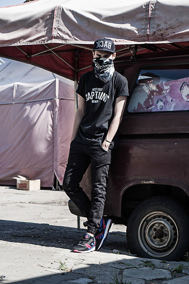"Romek Gelard Gello - Chino ""Jogger"" Dragon Camo Black, West Coast Captains, Reebok Pump Running Dual, Snapback Starter ""Back"" - Bad Kingdom"