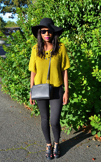 Laura C - H&M Jumper, Primark Hat, Michael Kors Selma Mini Bag - Can't stop wearing this hat! // StylishVue
