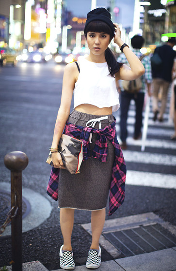 Samantha Mariko - Topshop Crop Top, Harajukuii Skirt, Dezso Clutch, Vans Shoes - California girl in tokyo