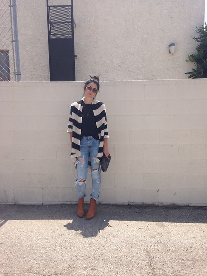 Rachel Fox - Abercrombie Bw, Free People Tank, Zara Denim, Zara Boots - Sweater