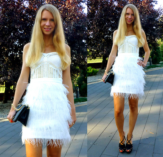 Ania Zarzycka - Celebindress Dress - Your shining light will guide me home to where you are