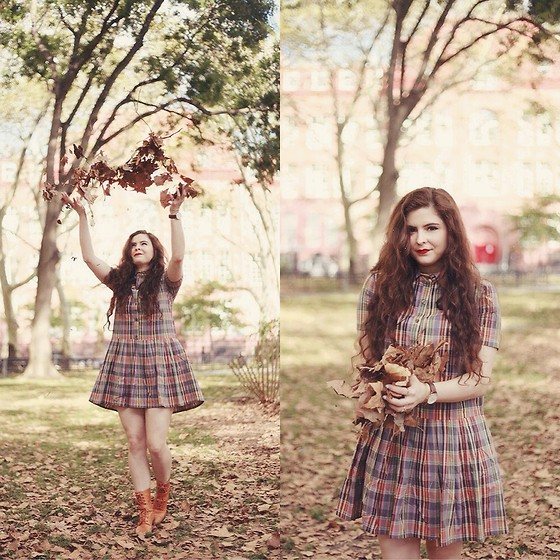 Noelle Downing - Pepaloves Felicity Plaid Dress, Daniel Wellington Watch - The changing seasons...