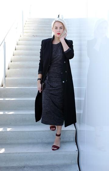 Lian G. H&M Jas, Isabel Marant Dress, Zara Shoes Midi