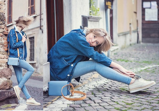Darya Kamalova -  - TOTAL BLUE OUTFIT FOR THE LONATO VINTAGE MARKET‏