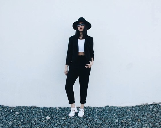 Victoria Mobin - Forever 21 Boho Hat, Forever 21 Blazer, Forever 21 Harem Pants, American Apparel Jelly Sandals - Midnight Daydream