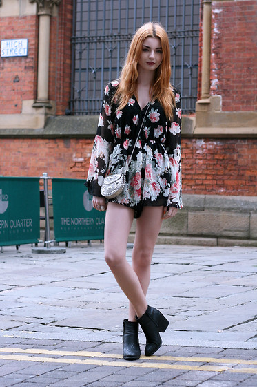 Hannah Louise - Reverse Playsuit, Primark Embellished Bag, Missguided Snakeskin Boots - Floral Flared Sleeves
