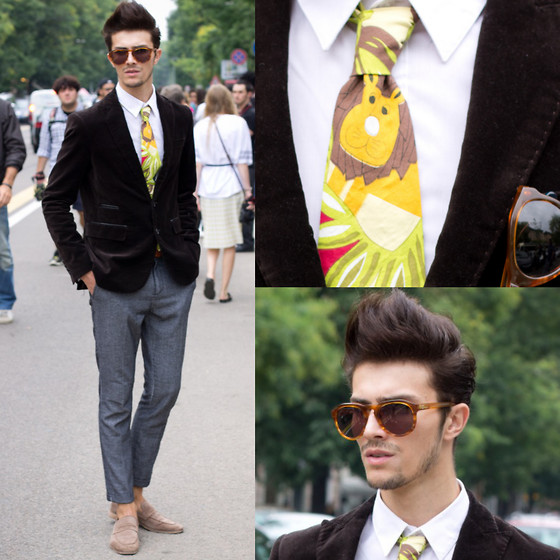 Gian Maria Sainato - Triwa - THE LION KING ON MY TIE!