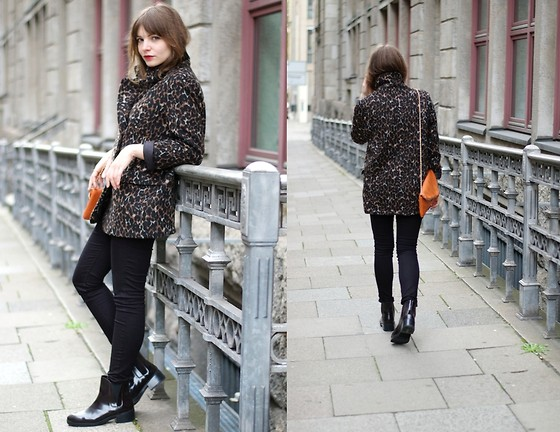 L T - H&M Coat, Zara Boots - Looks like London.