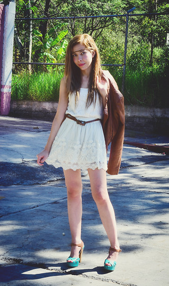 She is Magique Oh my Dior - Andrea Sandals, Pull & Bear Skirt, Pull & Bear Top, Bershka Jacket - The boho not hippie