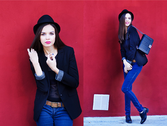 Mariya Marinova - Pull & Bear Blazer, H&M Denim, Chanel Handbag - Red peppEr.