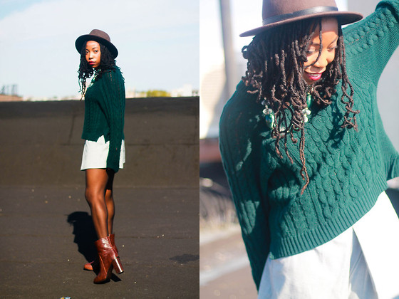 Martina McFarlane - H&M Boots, Sole Society Panama Hat, H&M Ribbed Sweater - Everything In Its Right Place